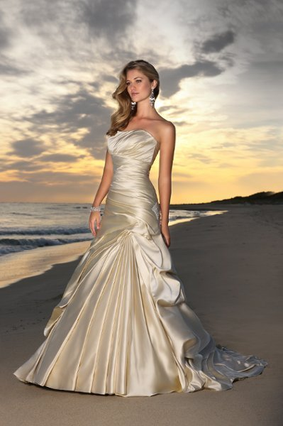 Wedding Dresses, A-line Wedding Dresses, Romantic Wedding Dresses, Beach Wedding Dresses, Fashion, white, ivory, Beach, Modern, Romantic, Strapless, Strapless Wedding Dresses, A-line, Satin, Floor, Formal, Dropped, Pleats, Pick-ups, Sleeveless, Ruching, Modern Wedding Dresses, Stella York, satin wedding dresses, Formal Wedding Dresses, Floor Wedding Dresses