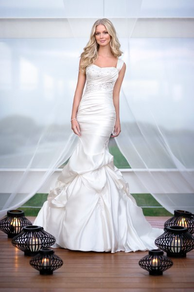 Wedding Dresses, Sweetheart Wedding Dresses, Mermaid Wedding Dresses, Lace Wedding Dresses, Romantic Wedding Dresses, Fashion, white, ivory, silver, Modern, Romantic, Lace, Sweetheart, Satin, Floor, Formal, Dropped, Pick-ups, Sleeveless, Ruching, Mermaid/Trumpet, Fit-n-Flare, Modern Wedding Dresses, trumpet wedding dresses, Stella York, satin wedding dresses, Formal Wedding Dresses, Floor Wedding Dresses