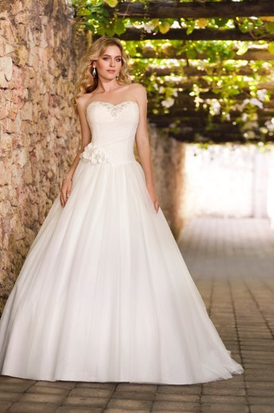 Wedding Dresses, Sweetheart Wedding Dresses, Ball Gown Wedding Dresses, Romantic Wedding Dresses, Fashion, white, ivory, Classic, Flowers, Romantic, Sweetheart, Strapless, Strapless Wedding Dresses, Beading, Tulle, Floor, Formal, Natural, Sleeveless, Ruching, Ball gown, Beaded Wedding Dresses, Classic Wedding Dresses, tulle wedding dresses, Stella York, Flower Wedding Dresses, Formal Wedding Dresses, Floor Wedding Dresses