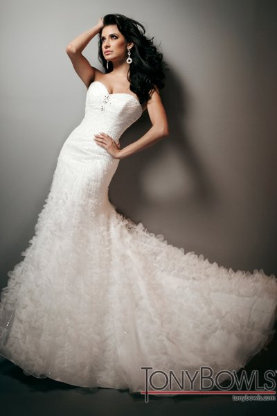 Wedding Dresses, Sweetheart Wedding Dresses, Fashion, Sweetheart, Strapless, Strapless Wedding Dresses, Tulle, Satin, Organza, Beaded, A-line gown, chapel train, Beaded bodice, organza wedding dresses, tulle wedding dresses, tony bowls bridal, tony bowls bridal for mon cheri, optional straps, satin wedding dresses