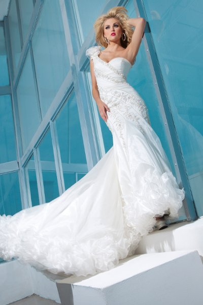 Wedding Dresses, Sweetheart Wedding Dresses, One-Shoulder Wedding Dresses, Lace Wedding Dresses, Fashion, Mermaid, Lace, Sweetheart, Organza, Dramatic, Beaded, Pleated, Ruffled, One-shoulder, chapel train, organza wedding dresses, tony bowls bridal, tony bowls bridal for mon cheri