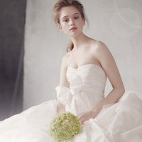 Wedding Dresses, Sweetheart Wedding Dresses, Ball Gown Wedding Dresses, Romantic Wedding Dresses, Fashion, white, ivory, Spring, Modern, Classic, Vera wang, Romantic, Sweetheart, Strapless, Strapless Wedding Dresses, Floor, Natural, Taffeta, Sleeveless, Ball gown, White by vera wang, Modern Wedding Dresses, taffeta wedding dresses, Spring Wedding Dresses, Classic Wedding Dresses, Floor Wedding Dresses