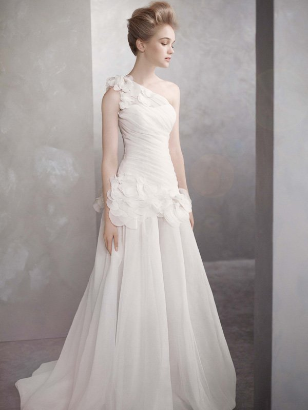 Wedding Dresses, One-Shoulder Wedding Dresses, A-line Wedding Dresses, Fashion, white, ivory, Flowers, Vera wang, A-line, Floor, Organza, Ruching, White by vera wang, One-shoulder, organza wedding dresses, Flower Wedding Dresses, Floor Wedding Dresses