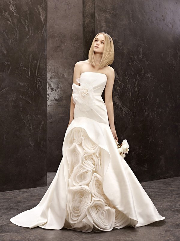 Wedding Dresses, Mermaid Wedding Dresses, Ruffled Wedding Dresses, Fashion, white, ivory, Mermaid, Vera wang, Strapless, Strapless Wedding Dresses, Trumpet, Floor, Silk, Ruffles, Ruching, White by vera wang, Fit-n-Flare, Silk Wedding Dresses, Floor Wedding Dresses