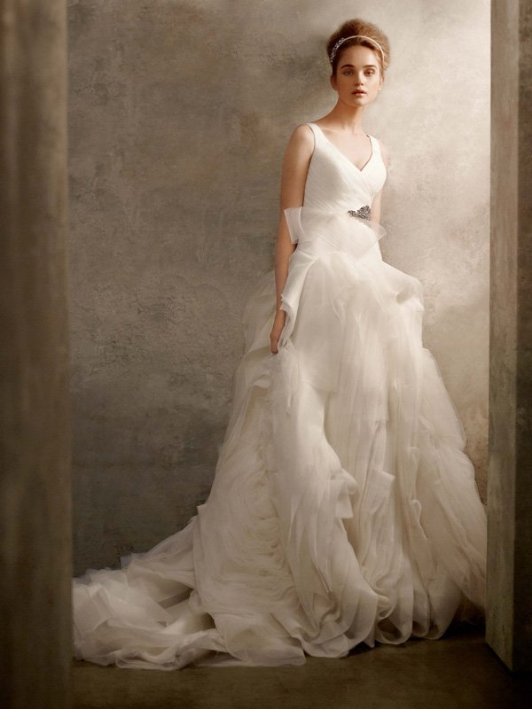 Wedding Dresses, Ball Gown Wedding Dresses, Ruffled Wedding Dresses, Fashion, white, ivory, Flowers, Vera wang, V-neck, V-neck Wedding Dresses, Tulle, Floor, Organza, Ruffles, Ruching, Ball gown, White by vera wang, organza wedding dresses, tulle wedding dresses, Flower Wedding Dresses, Floor Wedding Dresses