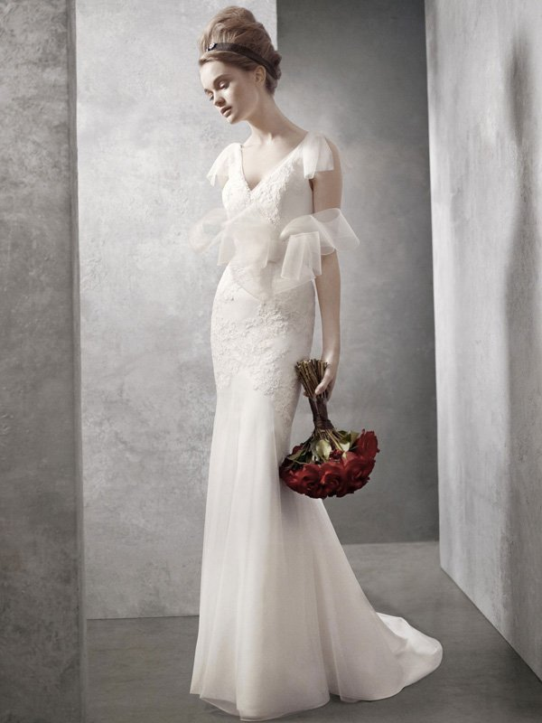 Wedding Dresses, Mermaid Wedding Dresses, Lace Wedding Dresses, Romantic Wedding Dresses, Fashion, ivory, Spring, Modern, Classic, Vera wang, Romantic, Lace, V-neck, V-neck Wedding Dresses, Floor, Dropped, White by vera wang, Fit-n-Flare, cap sleeve, Modern Wedding Dresses, Spring Wedding Dresses, Classic Wedding Dresses, Floor Wedding Dresses
