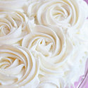 1375719766 thumb photo preview 1375719297 content 1367591076 content diy rose wedding cake 5