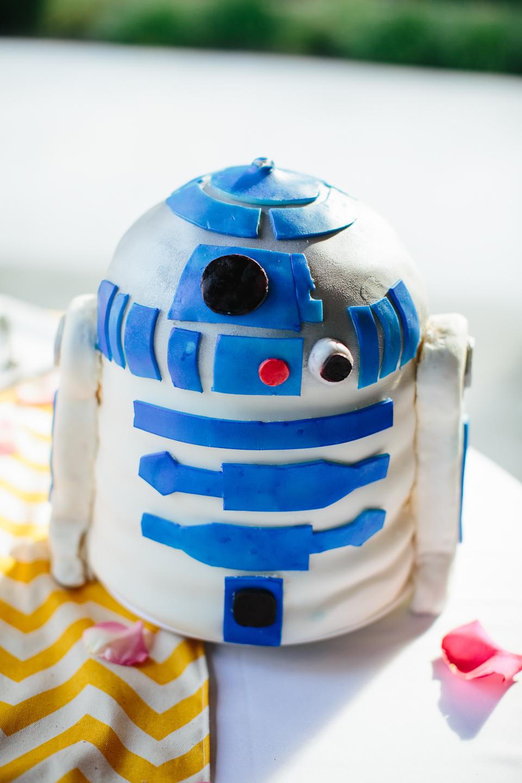 R2D2 Groom's Cake