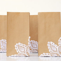 DIY: Doily Embellished Favor Bags