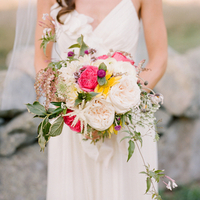 Flowers & Decor, Wedding Dresses, Romantic Wedding Dresses, Fashion, Real Weddings, Wedding Style, pink, Bride Bouquets, Summer Weddings, Boho Chic Real Weddings, Garden Real Weddings, Summer Real Weddings, Boho Chic Weddings, Garden Weddings, Garden roses, backyard weddings, backyard real weddings, casual weddings, casual real weddings, casual wedding dresses