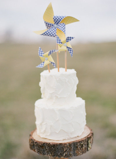 Pinwheel Wedding Cake