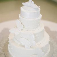 Bird-Themed Wedding Cake