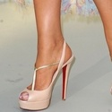 1382142698_thumb_photo_preview_heels
