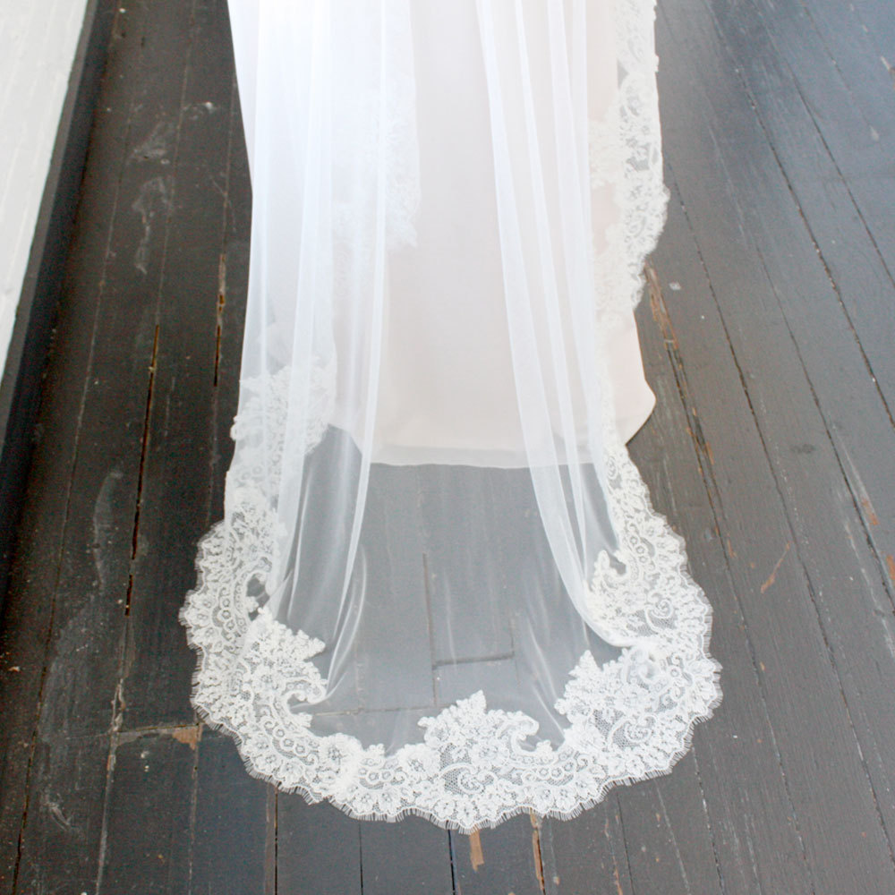 French Alencon Mantilla