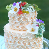 DIY: Romantic Piping Cake