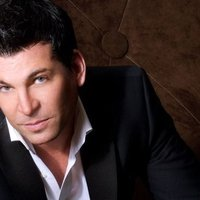 Celebrity Wedding Planner David Tutera Answers Your Burning Questions!