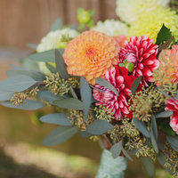 DIY: Dahlia Bouquet