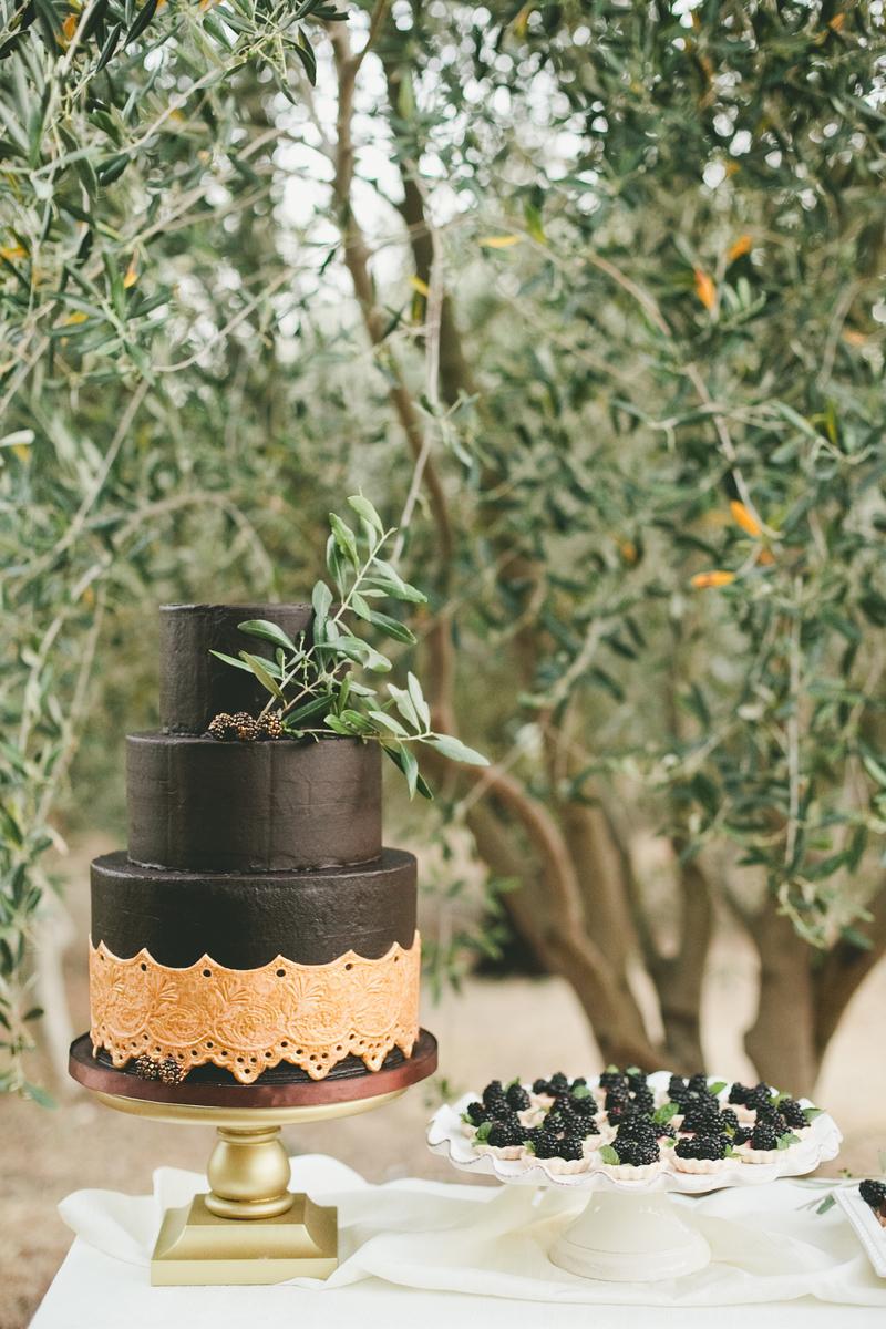 Black Lace Doilies Wedding Cake