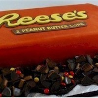 Reeses grooms cake