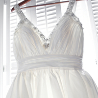Feminine V-Neck Wedding Dress