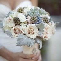 Antique Rose Winter Bouquet