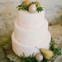 Pear Winter Wedding Cake