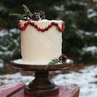 DIY: Rustic Winter Wedding Cake