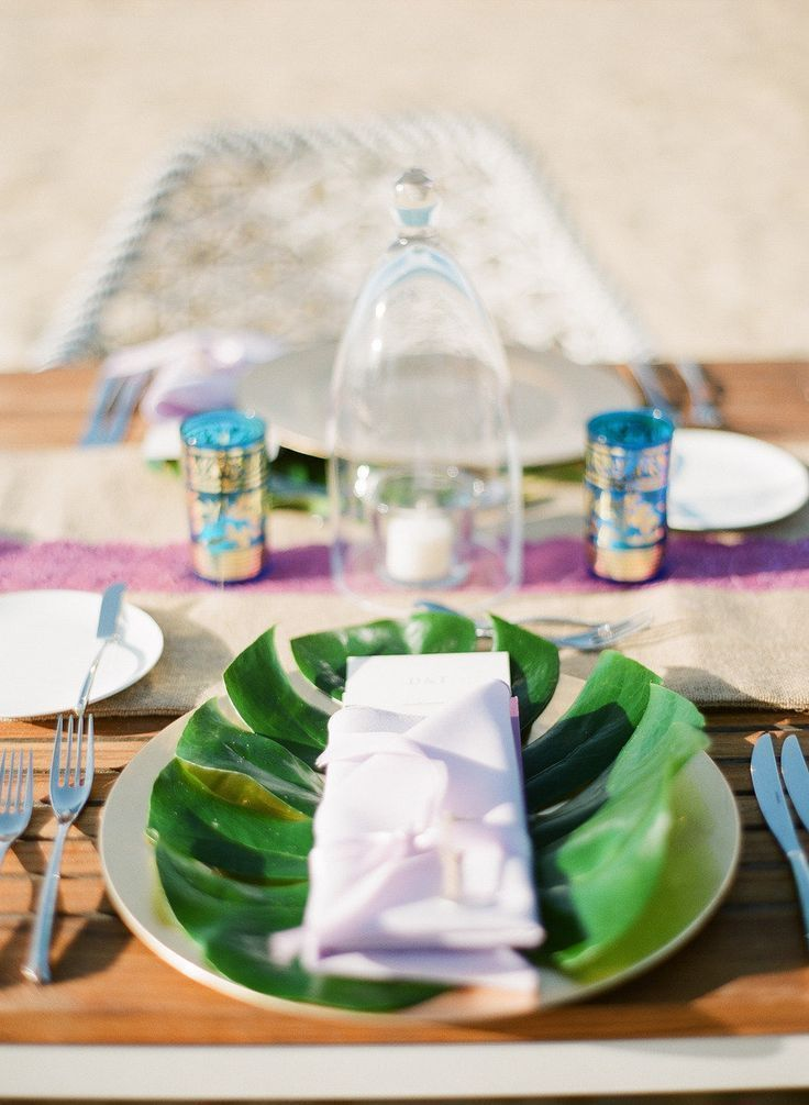Palm Leaf Place Setting