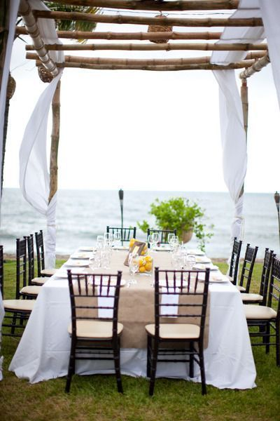 Simple Tropical Tablescape