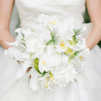 White Beach Bouquet
