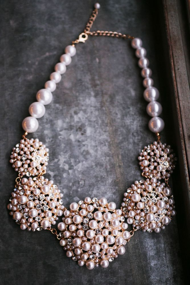 Glam Pearl Necklace