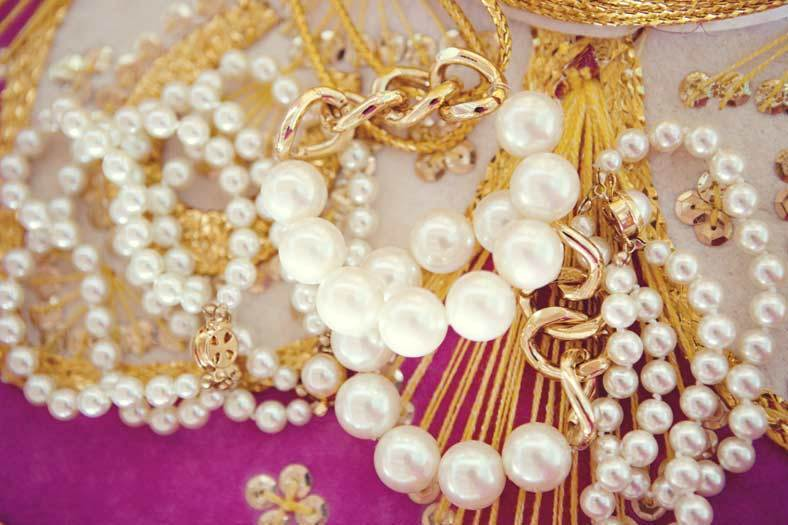 Glam Gold and Pearl Bracelet