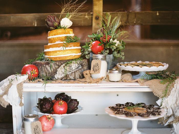 Naked Cake Dessert Display