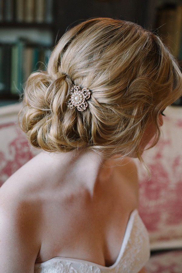 A Loose And Romantic Updo Accessorized With A Sparkly Vintage Brooch Photo By By Millie B