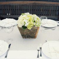 A Simple, Beachy Wedding Table