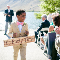 9 Whimsical Signs That You'll Want At Your Wedding