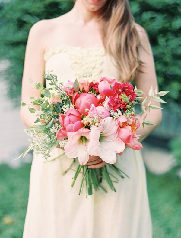 Photo by landon jacob floral design by fern studio for Bouquet amaryllis