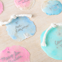 DIY: Ombre Seashell Escort Cards