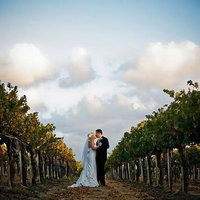 8 Awesome Wedding Ideas for Wine Lovers