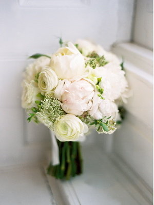 Flowers & Decor, Real Weddings, Wedding Style, ivory, Classic Real Weddings, Classic Weddings, Classic Wedding Flowers & Decor, Spring Wedding Flowers & Decor, Summer Wedding Flowers & Decor, Bride bouquet, new york weddings, new york real weddings