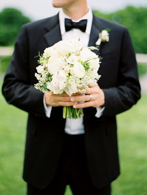 Flowers & Decor, Real Weddings, ivory, black, Bride Bouquets, Classic Real Weddings, Classic Weddings, new york weddings, new york real weddings
