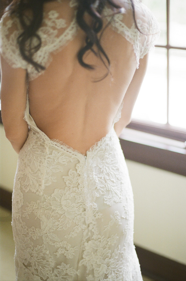 Real Weddings, Lace, Elegant, Back, Glamorous, Bridal gown, Monique lhuillier, Old hollywood, Jessica Lorren Organic Photography, florida real weddings, florida weddings