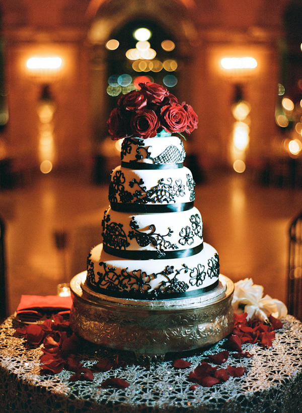 Cakes, Real Weddings, Wedding Style, white, red, black, Classic, Wedding Cakes, Classic Real Weddings, Classic Weddings, Roses, Elegant, Glamorous, Old hollywood, Jessica Lorren Organic Photography, florida real weddings, florida weddings