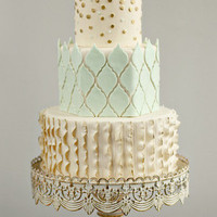 Cake with Ruffles and Quatrefoil