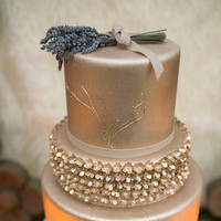 Gold Detailed Wedding Cake