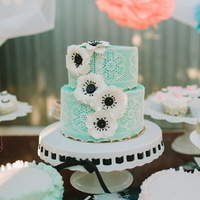 Lace Anemone Wedding Cake