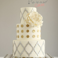 Polka Dot and Quatrefoil Cake