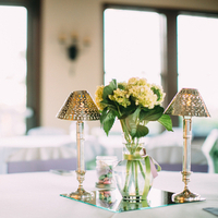 Simple Elegant Centerpieces