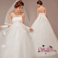 Almost every girl is attracted by such excellent designer wedding dress