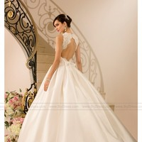 Which color of the wedding dress you like more, White or ivory